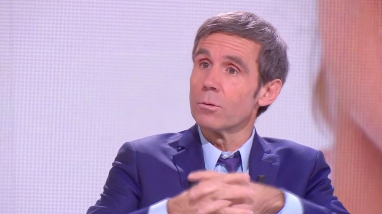 VIDEO David Puja­das : son petit tacle à Anne-Sophie Lapix, sa remplaçante au 20 heures de France 2