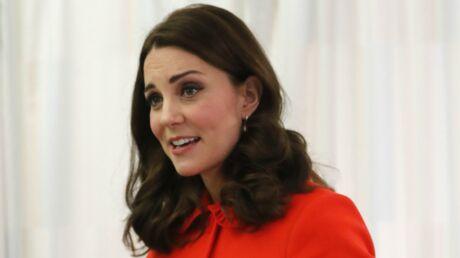 Kate Middleton ne porte plus sa bague de fiançailles: découvrez pourquoi