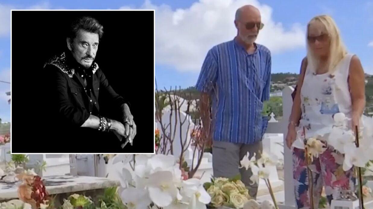 VIDEO Johnny Hallyday: l'émotion de ses fans qui ont fait 7000 km pour se recueillir sur sa tombe à Saint-Barth
