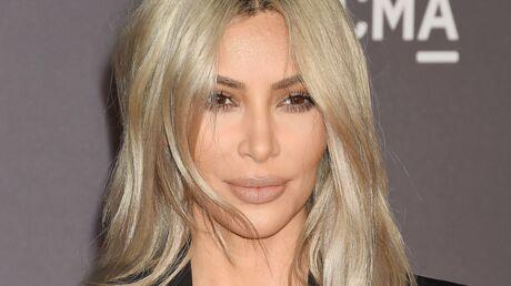 PHOTO La poitrine à l'air, Kim Kardashian dévoile son astuce pour avoir un décolleté parfait
