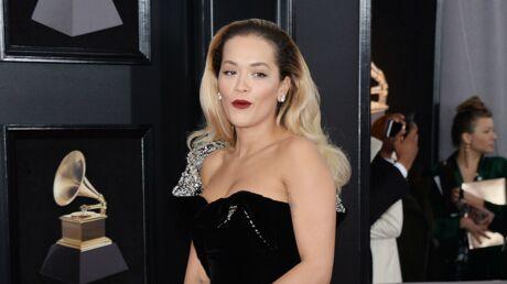 PHOTOS Grammy Awards 2018: Rita Ora en robe ultra fendue, c'est l'accident de culotte