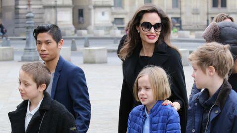 PHOTOS Angelina Jolie avec ses six enfants en visite au Louvre, ils ont tellement grandi!