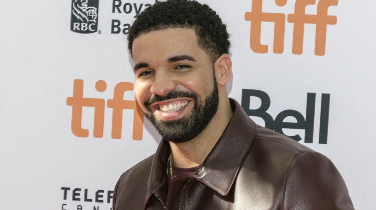 PHOTO Drake offre les frais d'université (50 000 dollars) à une fan et multiplie les gestes fous mais généreux
