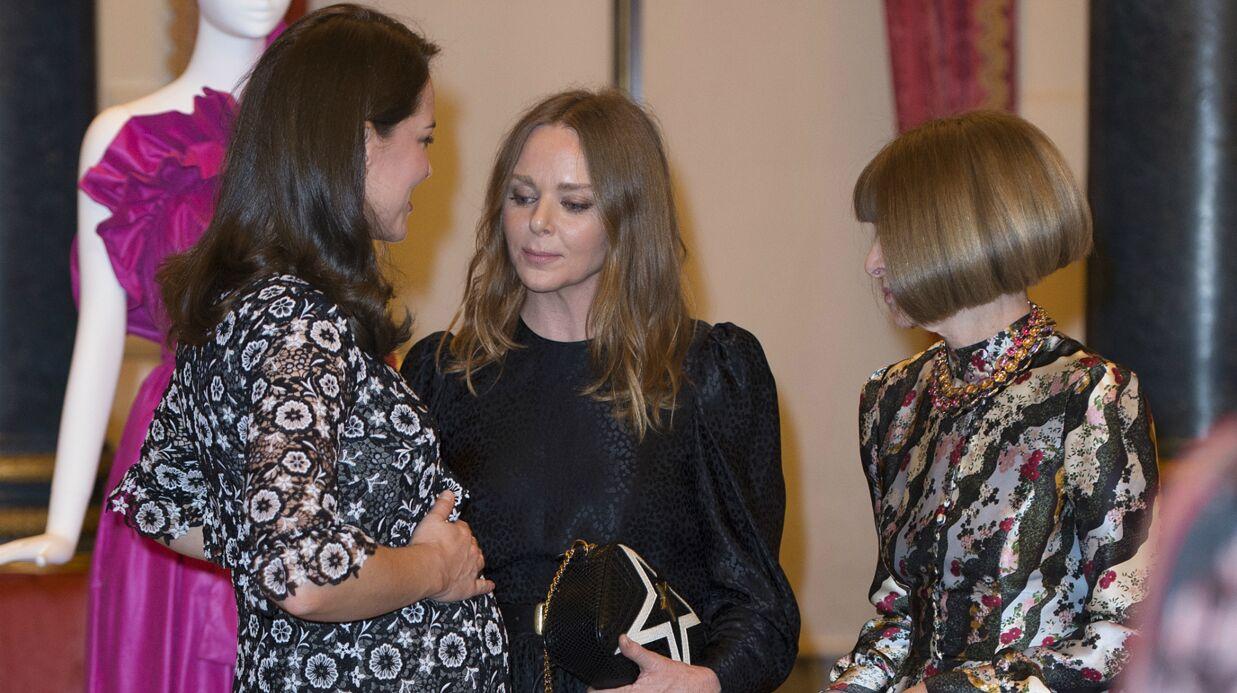 PHOTOS Kate Middleton enceinte: elle ose une robe qui moule son ventre très arrondi… devant Anna Wintour!