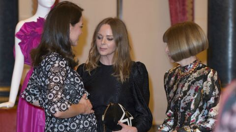 PHOTOS Kate Middleton enceinte : elle ose une robe qui moule son ventre très arrondi… devant Anna Wintour !