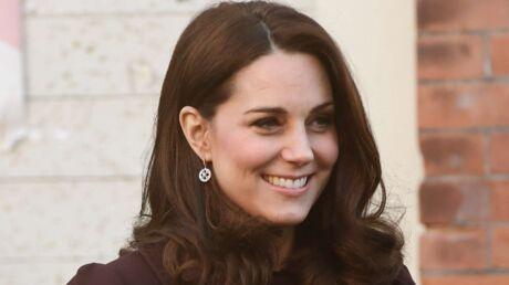 Kate Middleton enceinte: le médecin qui l'a accouché doit encore attendre pour prendre sa retraite