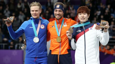 Jeux Olympiques de Pyeongchang: un homme débarque sur la glace avec un tutu et un cache-sexe
