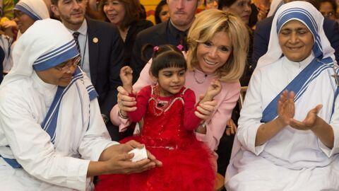 PHOTOS Brigitte Macron en Inde, elle rend visite à de jeunes orphelins
