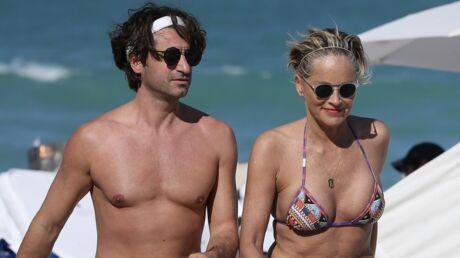 PHOTOS Sharon Stone fête ses 60 ans à la plage avec son jeune amoureux sexy