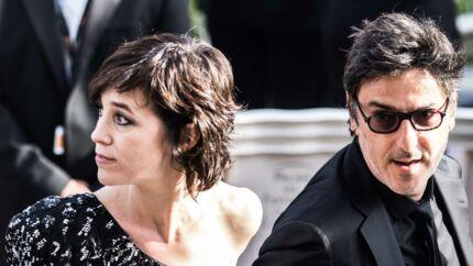 Charlotte Gainsbourg: pourquoi son premier dîner chez les parents d'Yvan Attal a failli ruiner son couple