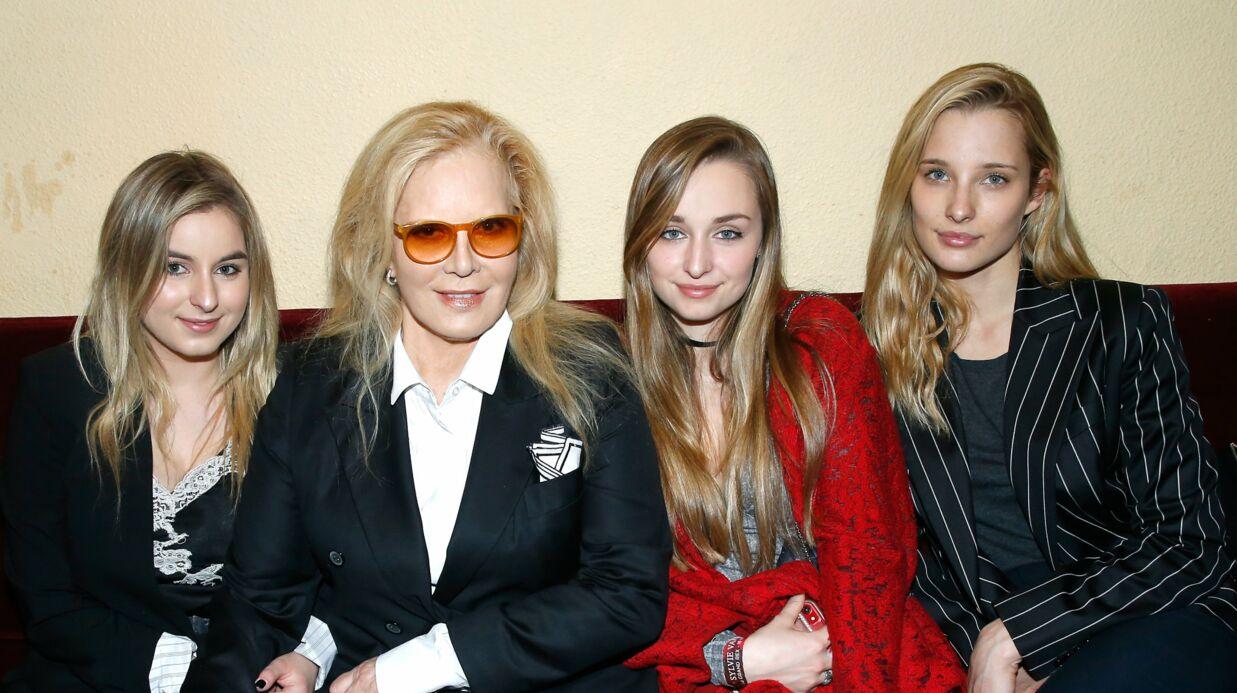 PHOTO Emma Smet publie un vieux cliché avec Ilona et Darina, la fille de Sylvie Vartan; Laura Smet émue