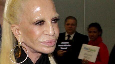 Donatella Versace raconte tout sur ses années d'addiction à la cocaïne