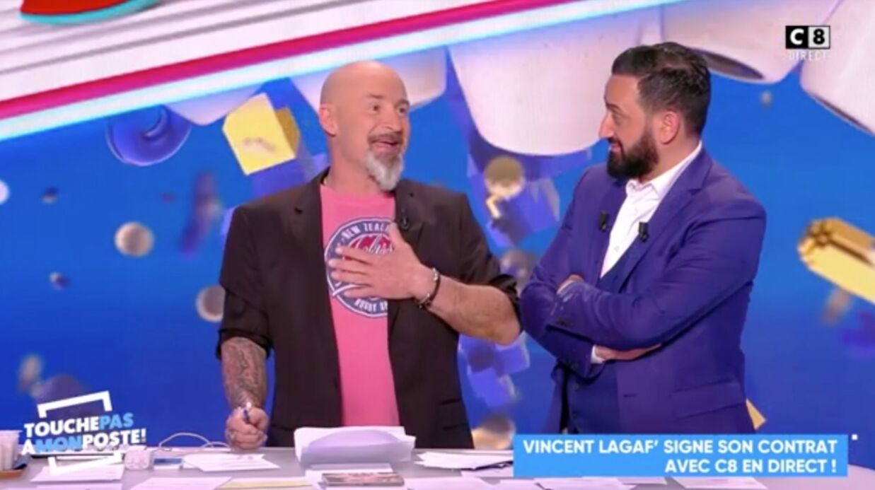 VIDEO Vincent Lagaf' craque en plein direct après la signa­ture de son contrat