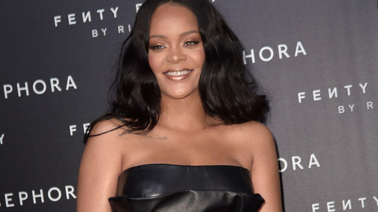 PHOTO Rihanna très hot en body transparent, elle dévoile son décolleté ultra plongeant