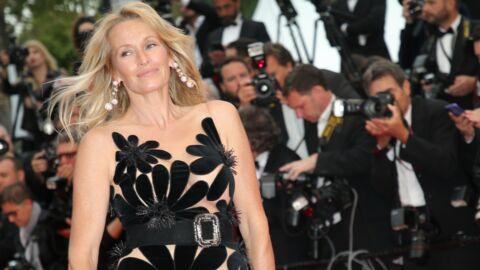 PHOTO Cannes 2018: Estelle Lefébure très sexy, enveloppée dans son peignoir pendant sa mise en beauté