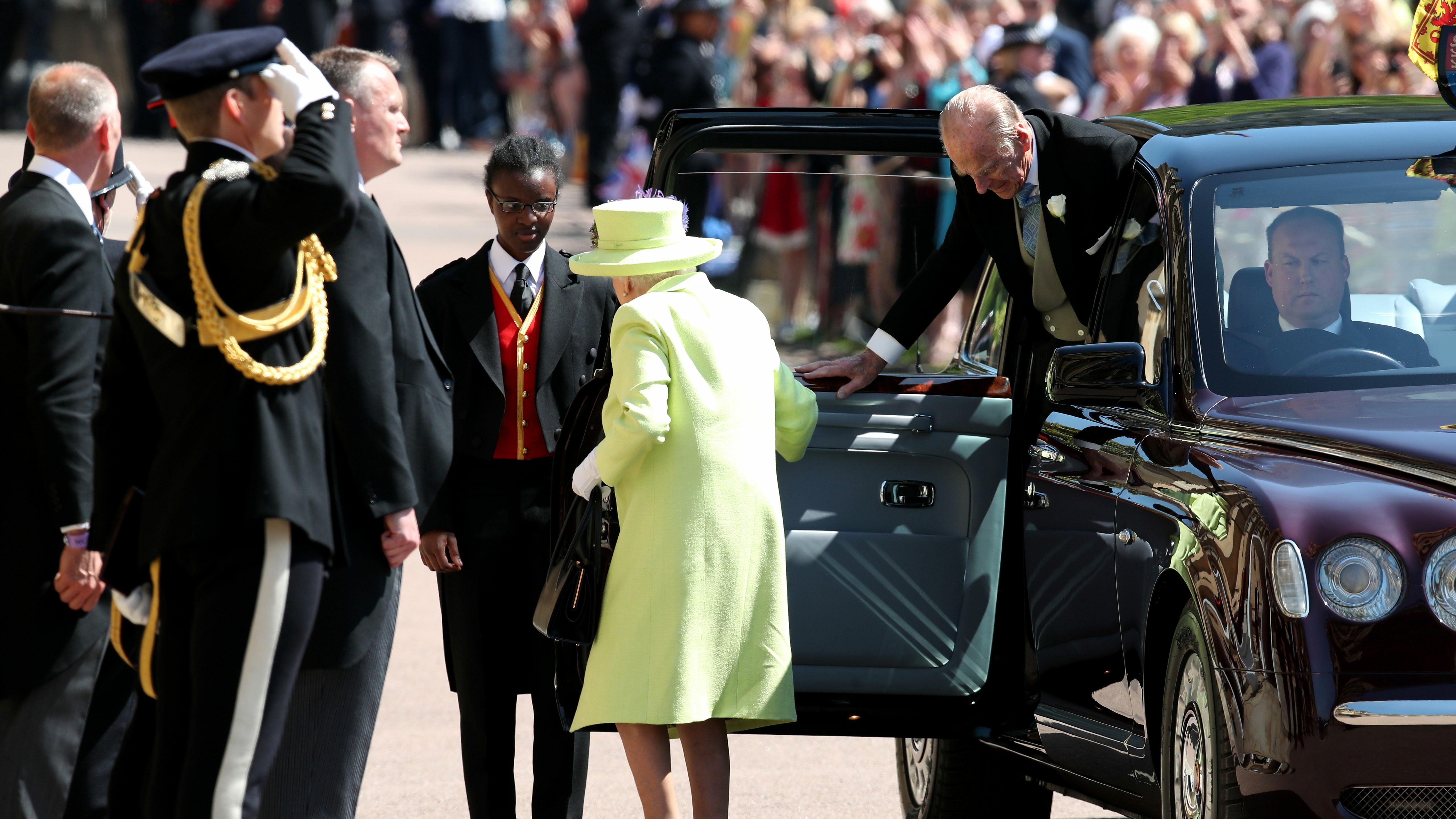 PHOTOS Mariage du prince Harry  revivez l\u0027arrivée de la famille royale à  la chapelle Saint,George , Voici