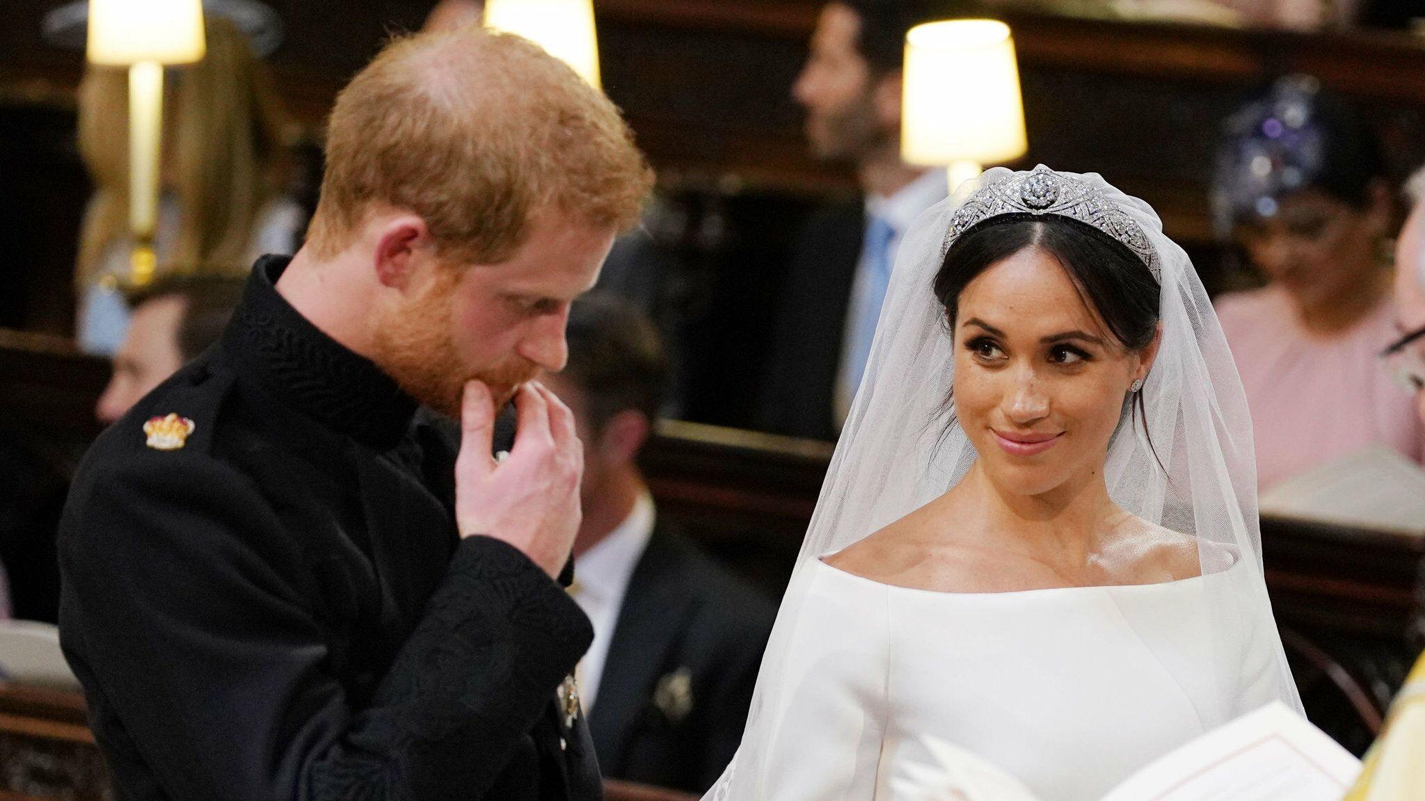 Des invités vendent à prix d\u0027or les cadeaux remis au mariage du prince Harry  et Meghan Markle , Voici