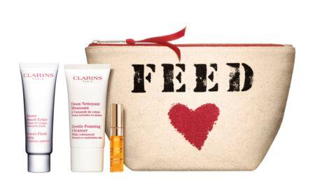 Bon plan: offrez-vous la trousse Clarins&Feed pour aider les enfants défavorisés du monde entier