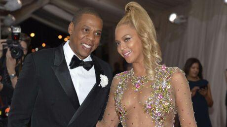 PHOTOS Beyoncé: au lit avec Jay-Z, la chanteuse dévoile ses fesses ultra bombées
