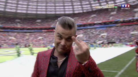 Robbie Williams ose un doigt d'honneur en pleine cérémonie d'ouverture du Mondial 2018