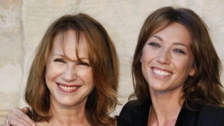 PHOTO Nathalie Baye: sublime sur un cliché souvenir, sa ressemblance avec Laura est frappante!