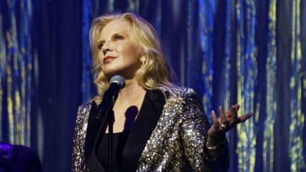 VIDEO Johnny Hallyday : Sylvie Vartan dézingue les faux amis du rocker qui se donnent « la permission de juger »