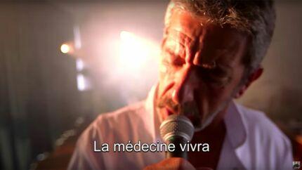Michel Cymes reprend Johnny Hallyday pour ses adieux aux Magazine de la santé