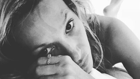 PHOTO Laura Smet saisit ses fans avec un selfie très sexy au lit