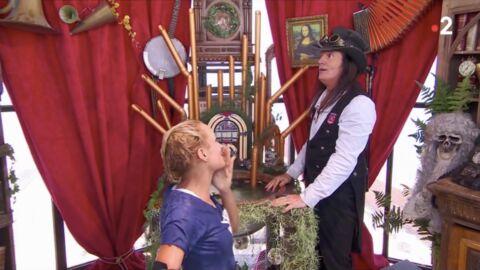 VIDEO Elodie Gossuin craque et embrasse Francis Lalanne sur la bouche dans Fort Boyard