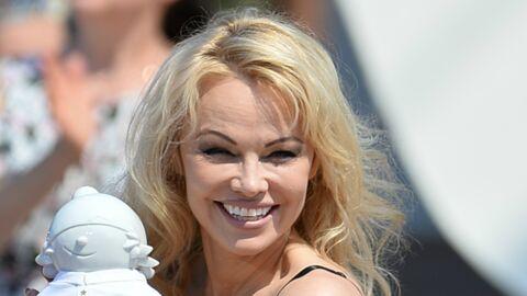 Pamela Anderson, torride à souhait lors d'une séance de sport sur la plage
