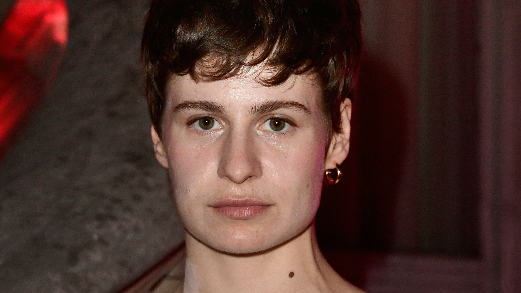 Christine And The Queens A Nouveau Accusee De Plagiat Pour Le Clip De Sa Chanson 5 Dollars Voici