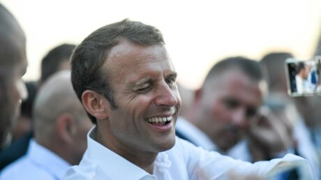 Emmanuel Macron Torse Nu En Vacances Il Devoile Son Corps Sculpte Voici