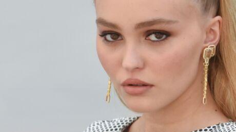 PHOTO Lily-Rose Depp joue la carte SUPER sexy en maillot de bain Chanel