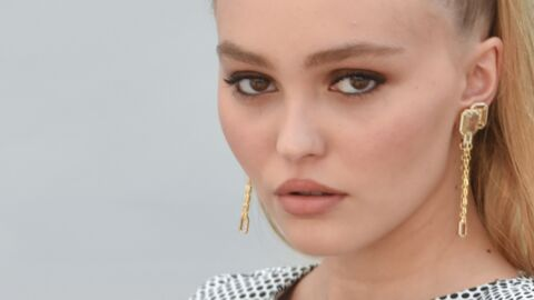 PHOTO Lily-Rose Depp joue la carte SUPER sexy en maillot de bain Chanel