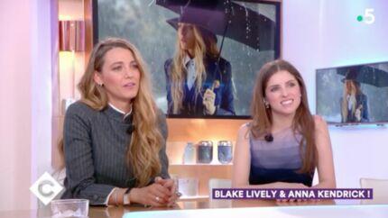 VIDEO Blake Lively et Anna Kendrick prennent un cours de français… et ça vaut le détour!