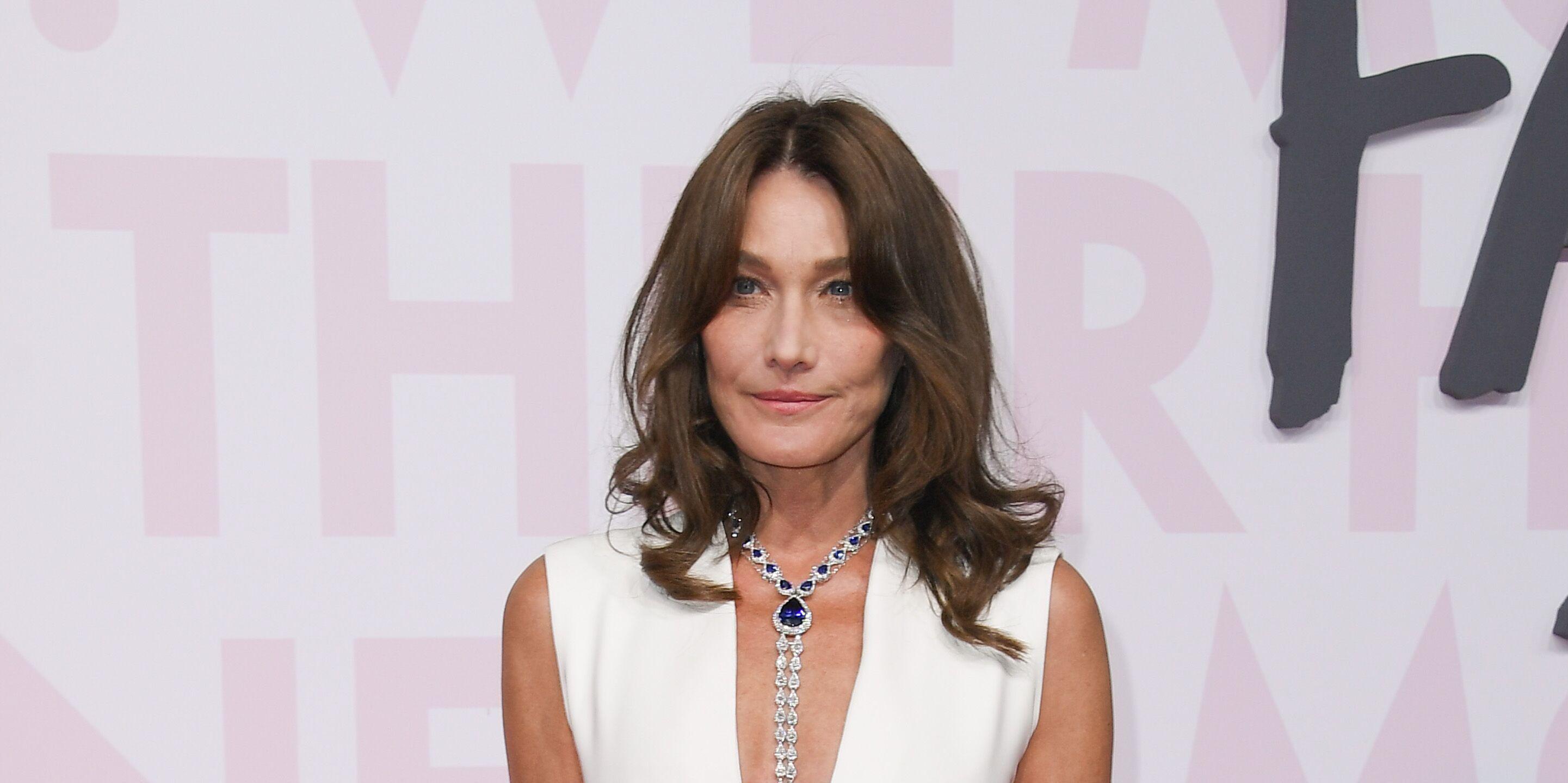 a0704298f13 PHOTOS Carla Bruni méconnaissable   sa folle transformation pour le Vogue  italien - Voici