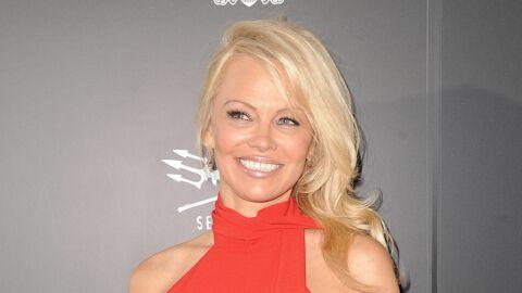 PHOTO Pamela Anderson sexy en body en dentelle, elle célèbre sa «nouvelle vie»
