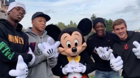 PHOTOS Les Bleus s'éclatent avec Mickey à Disneyland