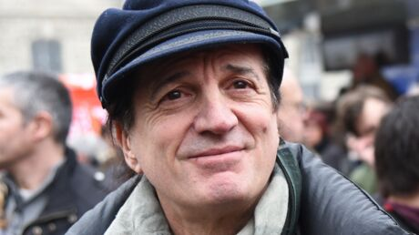 Francis Lalanne va intégrer la gendarmerie, le chanteur explique pourquoi