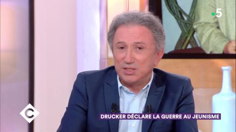 VIDEO Michel Drucker : pourquoi il n'a pas vu Johnny Hallyday sur son lit de mort
