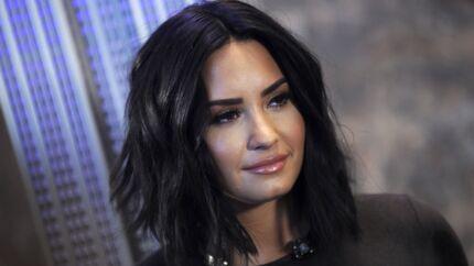 Demi Lovato sortie de cure de désintoxication, elle passe du bon temps avec un homme mystérieux
