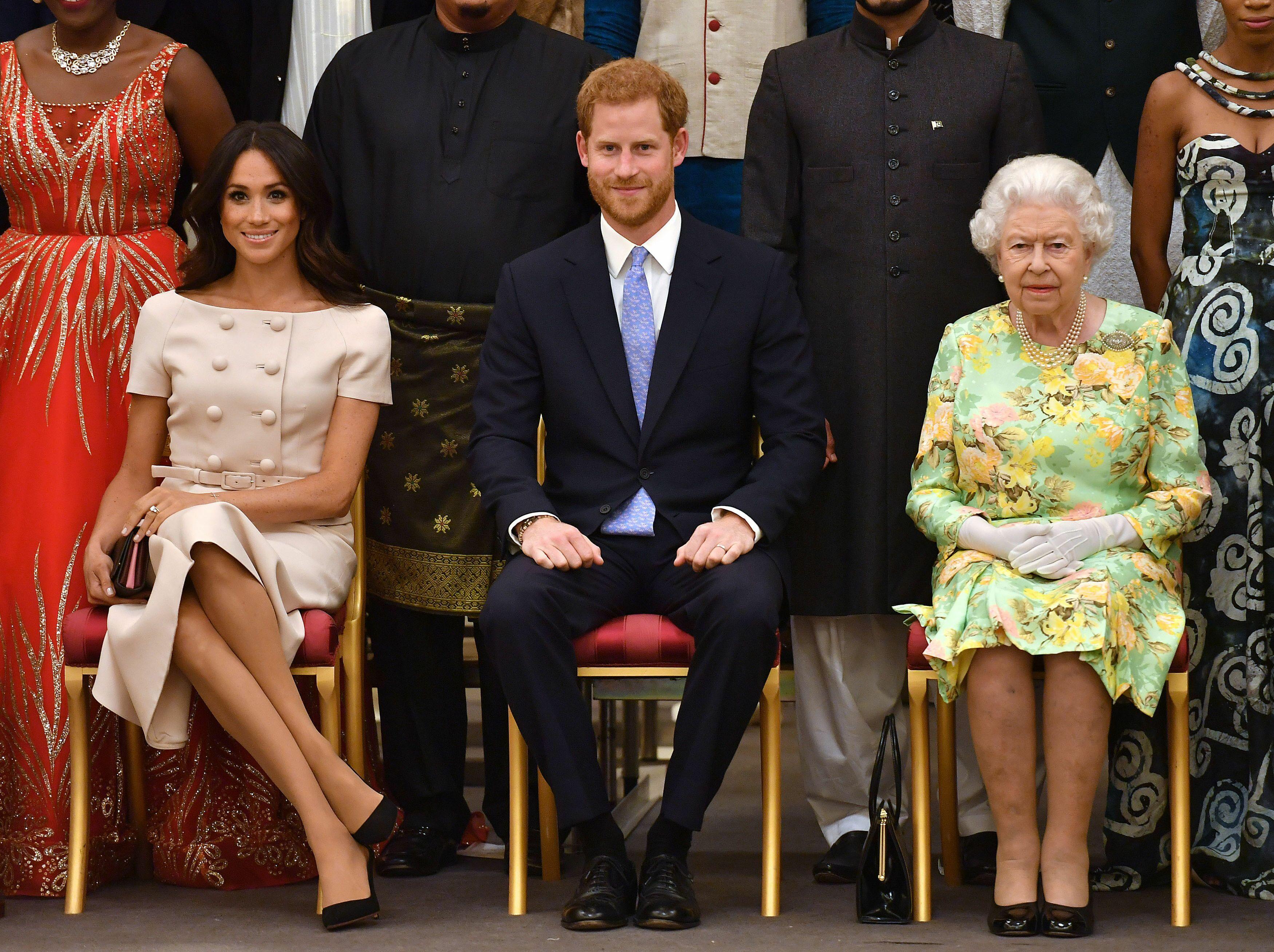 Meghan Markle  la petite pique de la reine Elizabeth II avant son mariage  avec le prince Harry , Voici