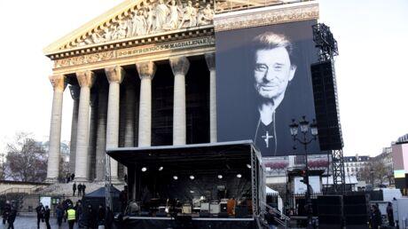 Premier anniversaire de la mort de Johnny: un nouvel hommage à La Madeleine