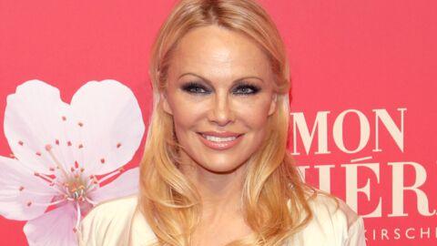 PHOTO Pamela Anderson: en délicate posture, elle dévoile presque tout de son corps