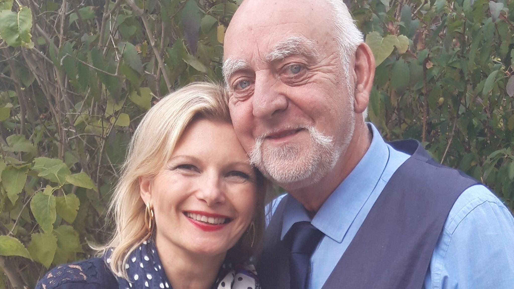 Claude amour est dans le pre et sa femme [PUNIQRANDLINE-(au-dating-names.txt) 30