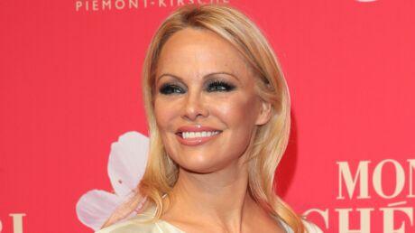 PHOTO Pamela Anderson partage un souvenir sexy de ses années Alerte à Malibu