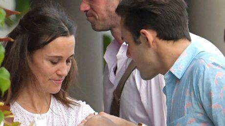 PHOTOS Pippa Middleton en vacances en famille: découvrez le visage (CRAQUANT) de son bébé Arthur