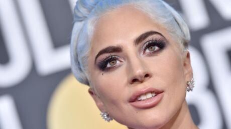 Comment reproduire le smoky métallisé de Lady Gaga?