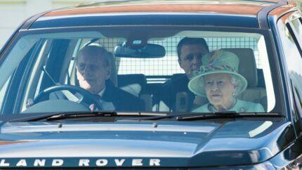 Accident du prince Philip: la passagère de la voiture s'en prend à la famille royale