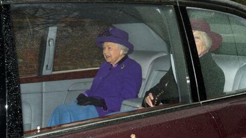 PHOTO Elizabeth II prise en flagrant délit, la reine provoque l'indignation en Angleterre
